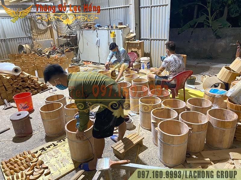 xưởng đóng chậu gỗ đựng nước