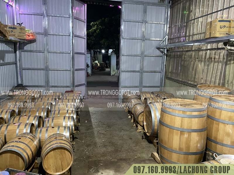thùng rượu gỗ sồi nga