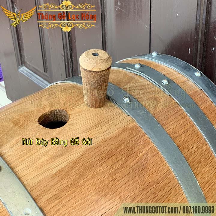 thùng gỗ ngâm ủ rượu