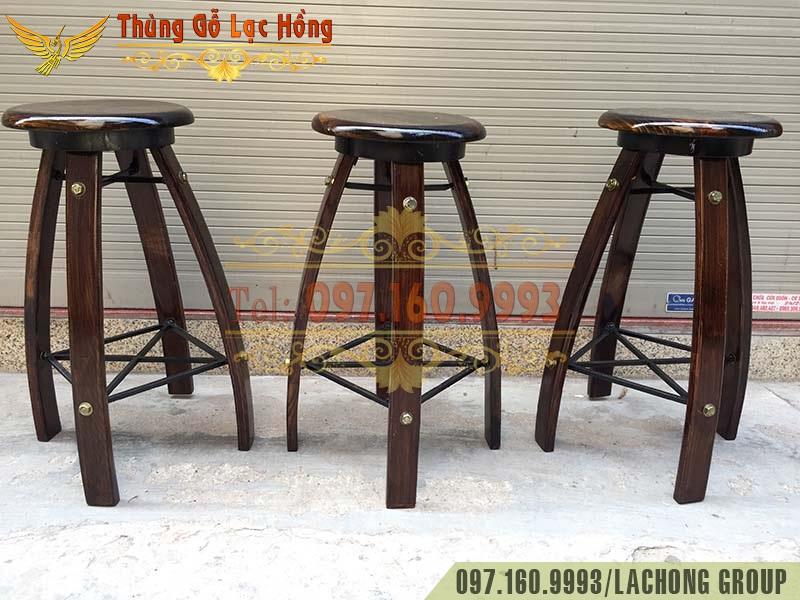 bàn ghế thùng gỗ