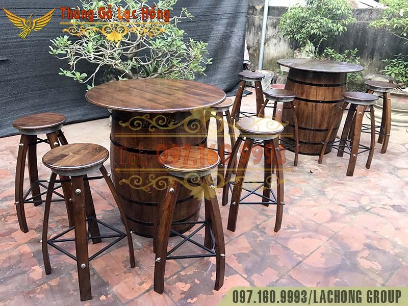 bàn ghế quầy bar thùng gỗ