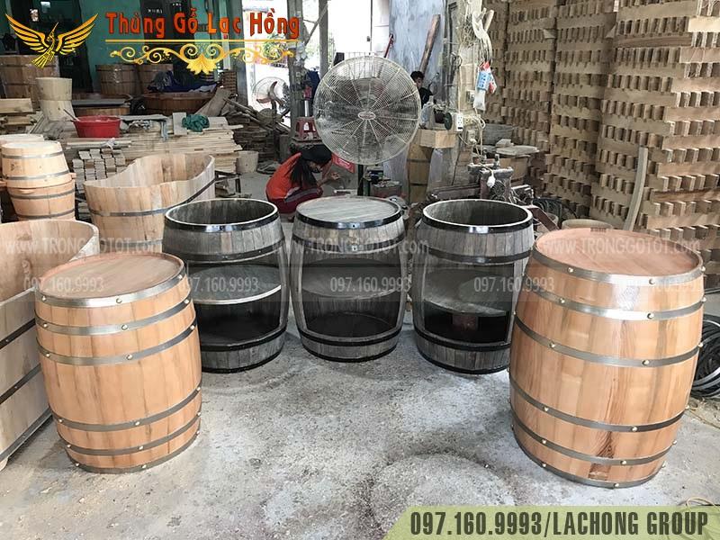 thùng gỗ sồi cũ