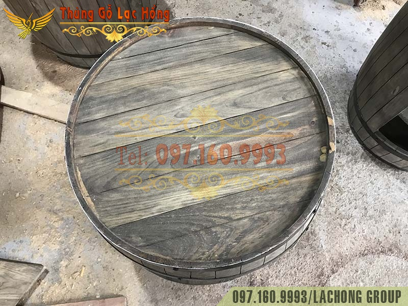 thùng rượu gỗ cũ