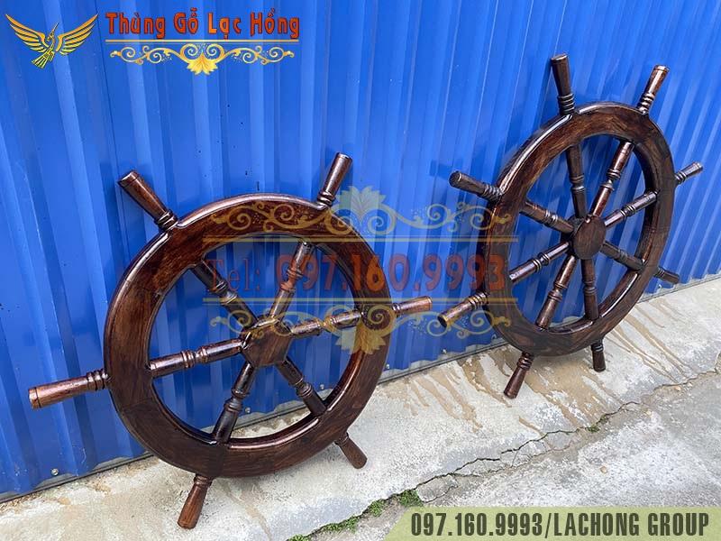 bánh lái tàu bằng gỗ treo hầm rượu