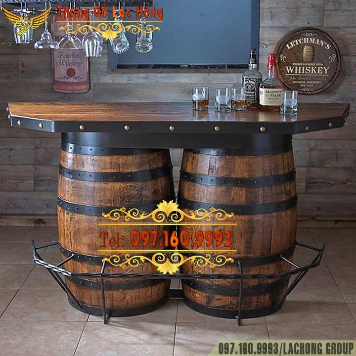 thùng rượu gỗ làm bàn ghế