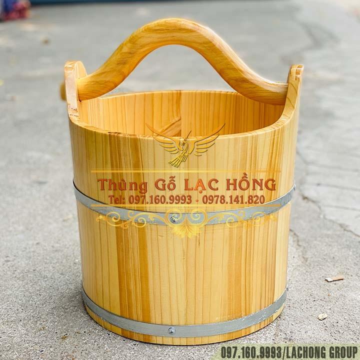 bán xô xách nước quai gỗ