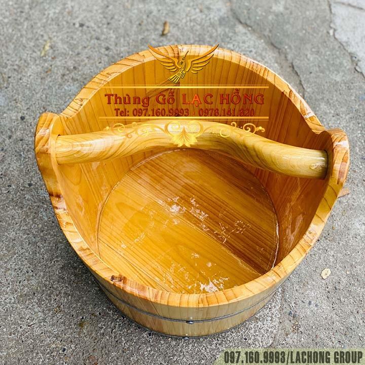 thùng gỗ đựng nước có quai xách
